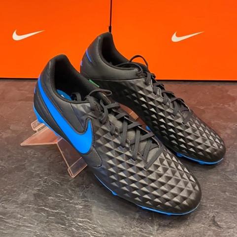 Nike Herren Fussballschuh 3.jpg