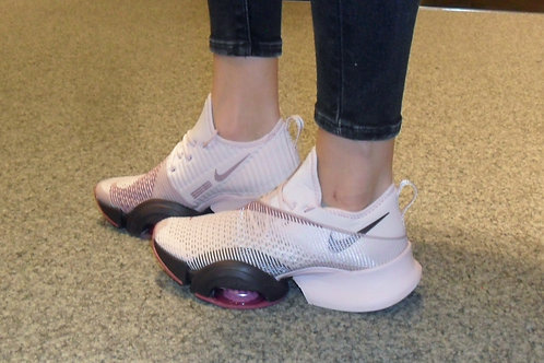 Nike Damen Air Zoom Superrep