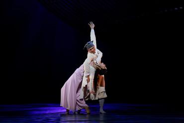 [中] 浪漫情濃彌漫於人鬼之間 — 談香港舞蹈團楊雲濤新作《倩女‧幽魂》