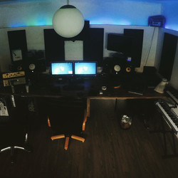 Studiosession ☝️ #my #studio #recordings #producer #producers #edm #dance #room #picoftheday #view #
