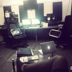 Dont care what other Says, you are the Boss! #4hoursweek #studio #lifestyle #gn8