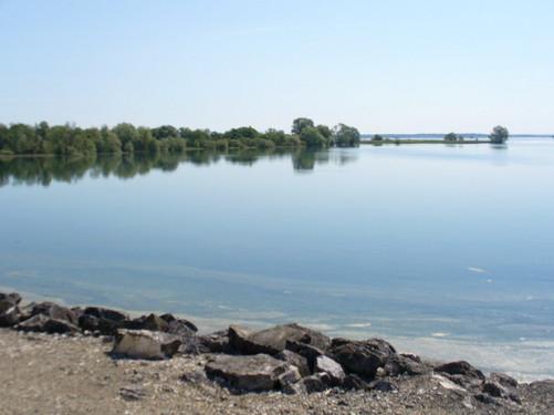 Lac-du-der-wikicommons.jpg