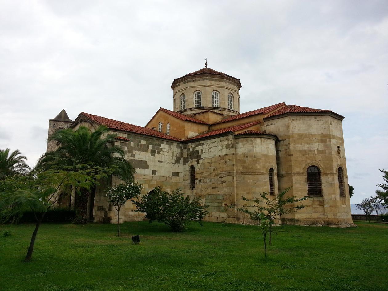church-925714.jpg