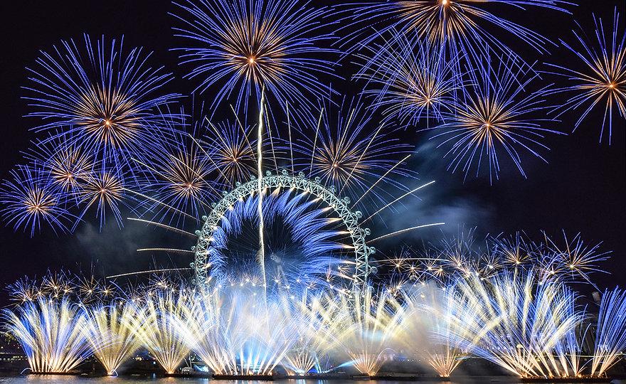 Titanium-Fireworks-NYE-2016-London-0041-1200px.jpg