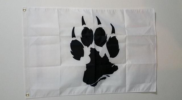Drapeau blanc avec logo noir de la Meute