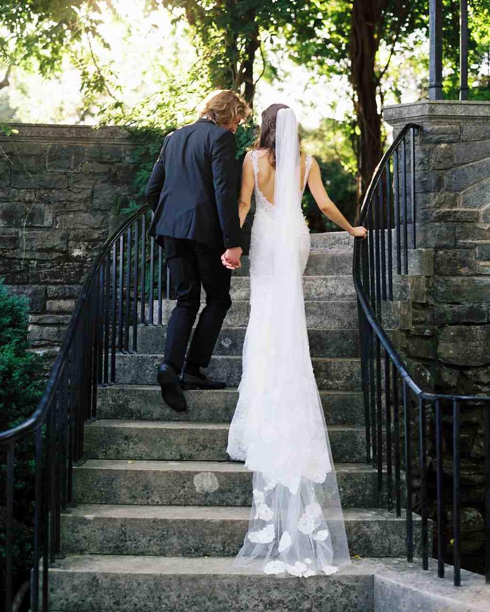 "Wedding veil as wedding tradition ""something old"""