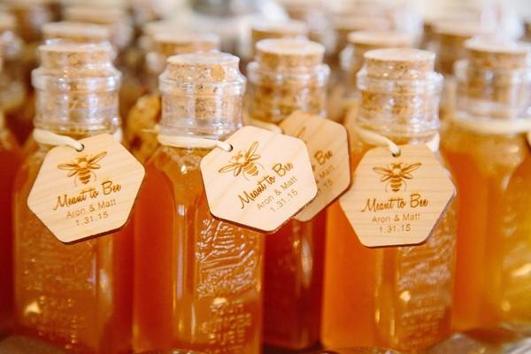 Honey jars wedding favor