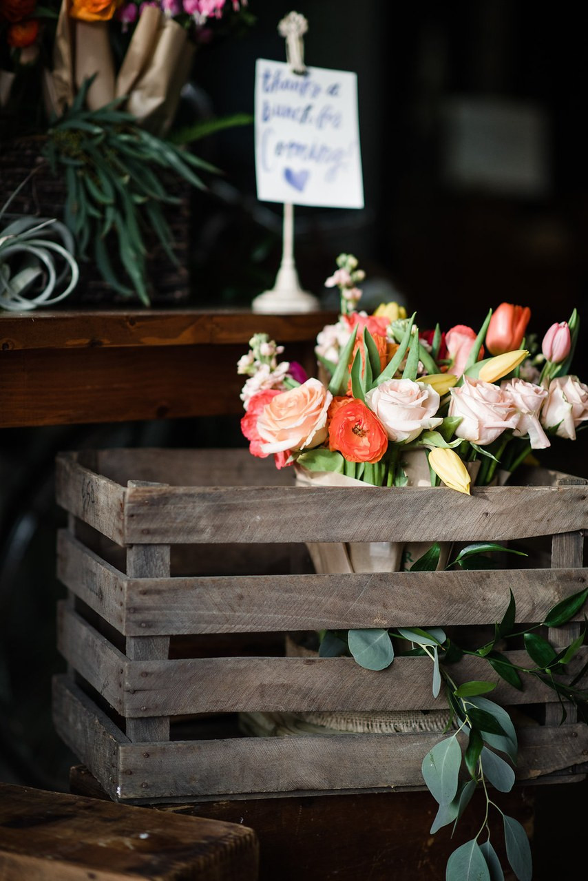 Mini bouquet wedding favor