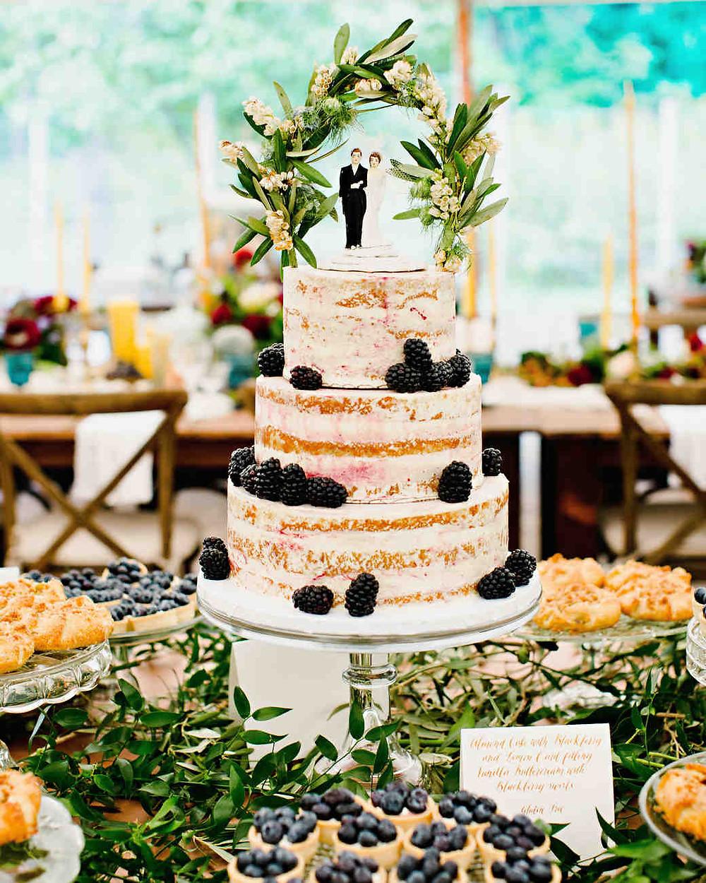 "Wedding cake topper as wedding tradition ""something old"""