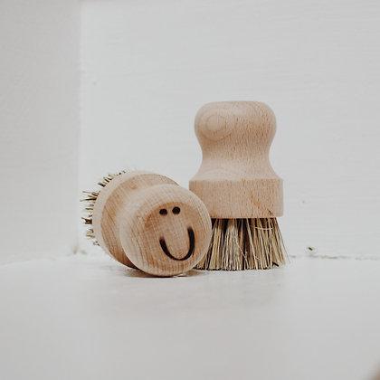 Wooden 'Neil' Pot Brush