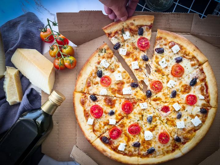 פיצה יוונית