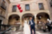 Salida de la iglesia con suelta sorpresa de globos boda organizada por Dile que Sí