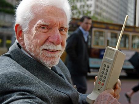 Há 45 anos era feita a primeira ligação de um celular