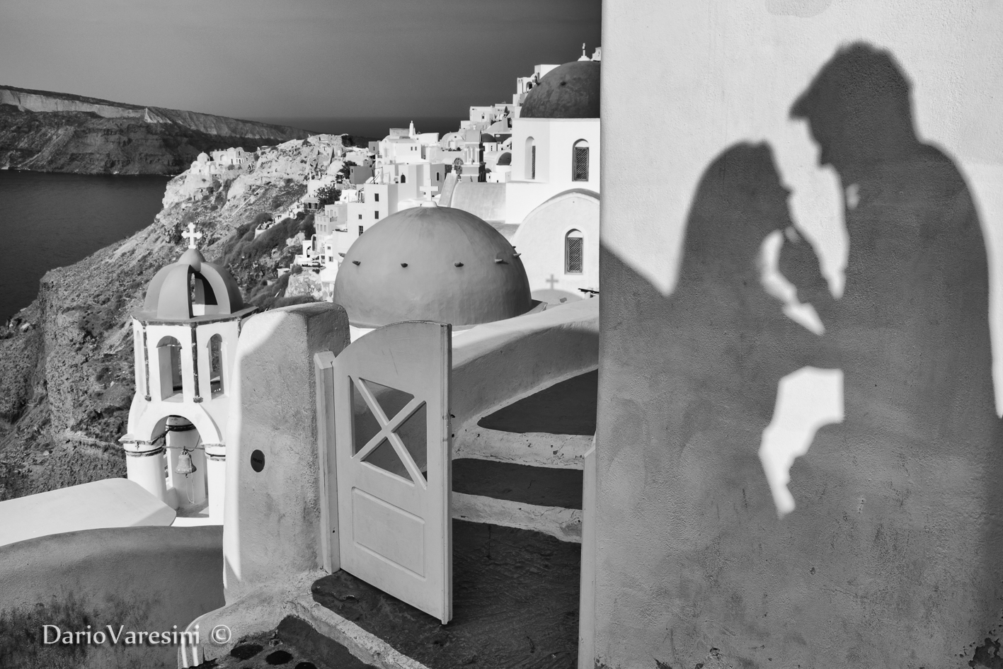 Shadows of love in Oia, Santorini