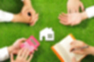 House miniature and hand,Green turf.jpg