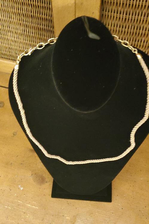 Rope type necklace