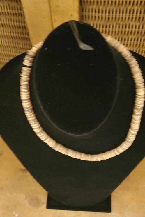 Island type necklace