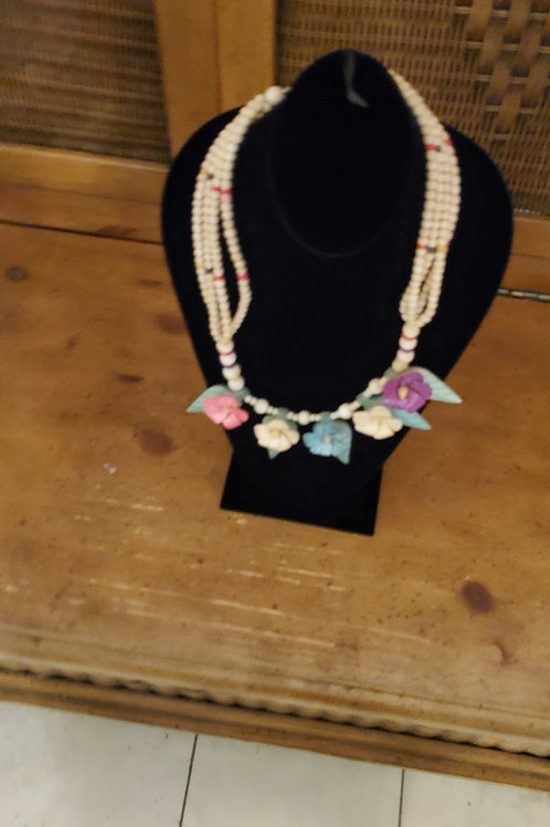 Unique island type necklace