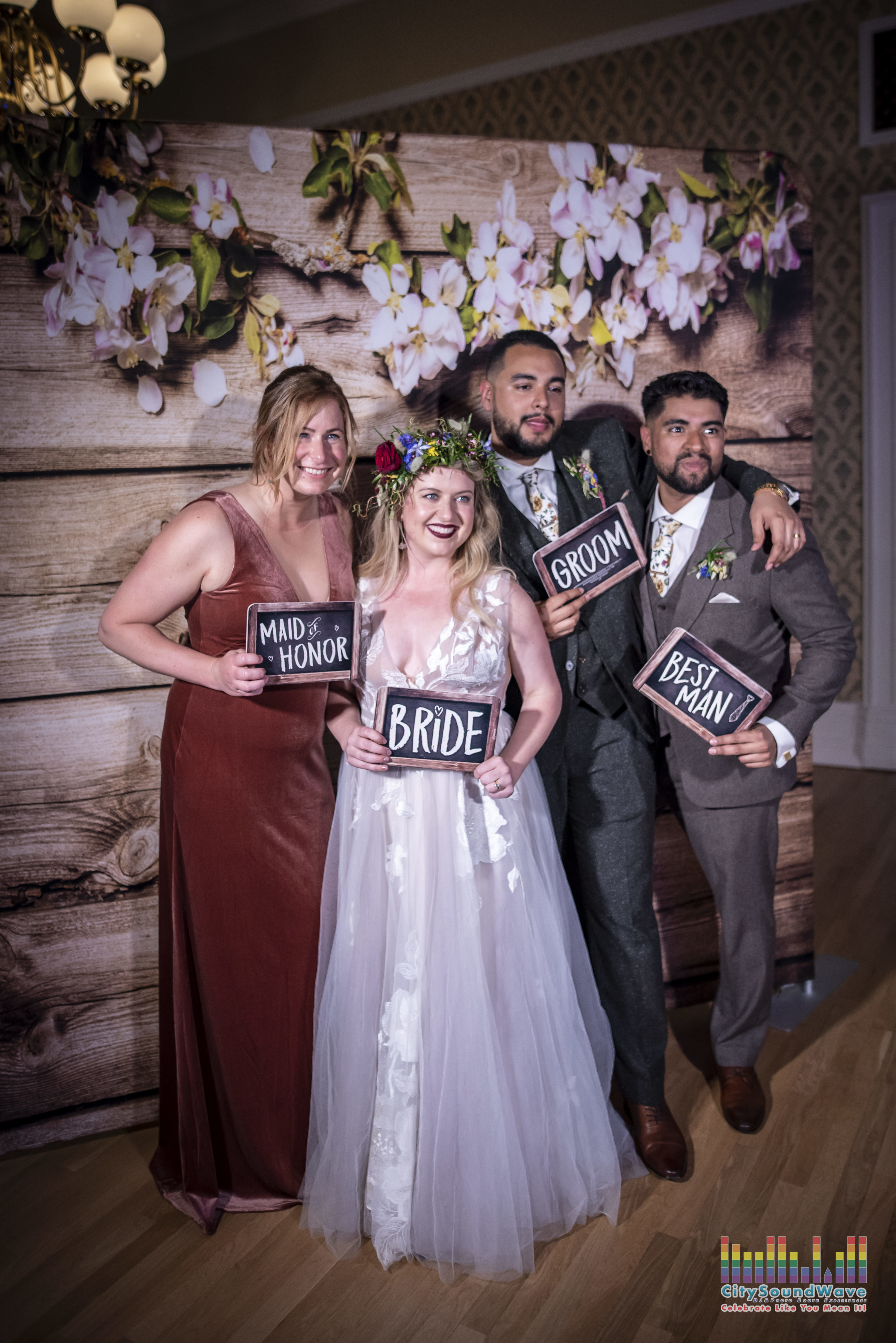 Seattle-Wedding-Photo-Booth-Rental