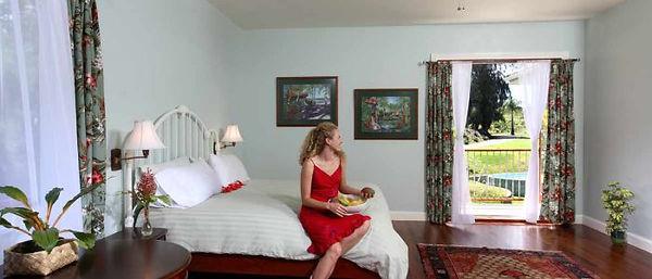 Room_Woman.jpg