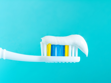 5 Surprising Uses for Toothpaste