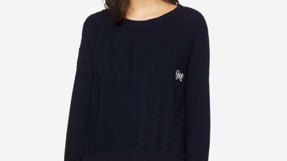 Pullover mit Flechtmuster und Aufnäher