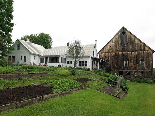 Lodging at Lone Rock Farmhouse