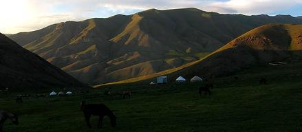 Potovanje Kirgizija - jahanje, jurte