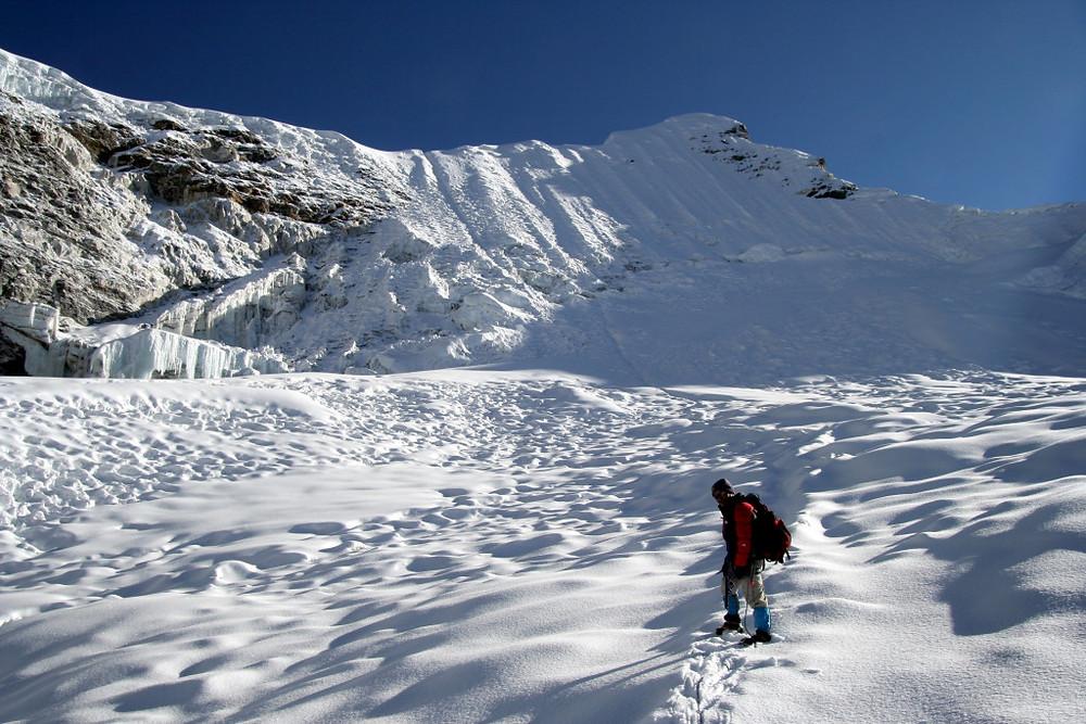 Pristop preko ledenika pod Island Peak-om