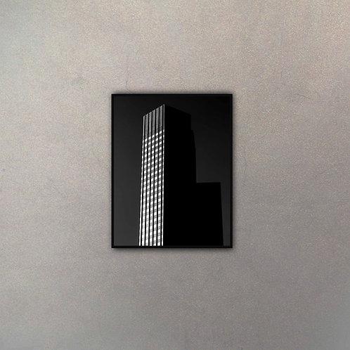 Edificio Black & White