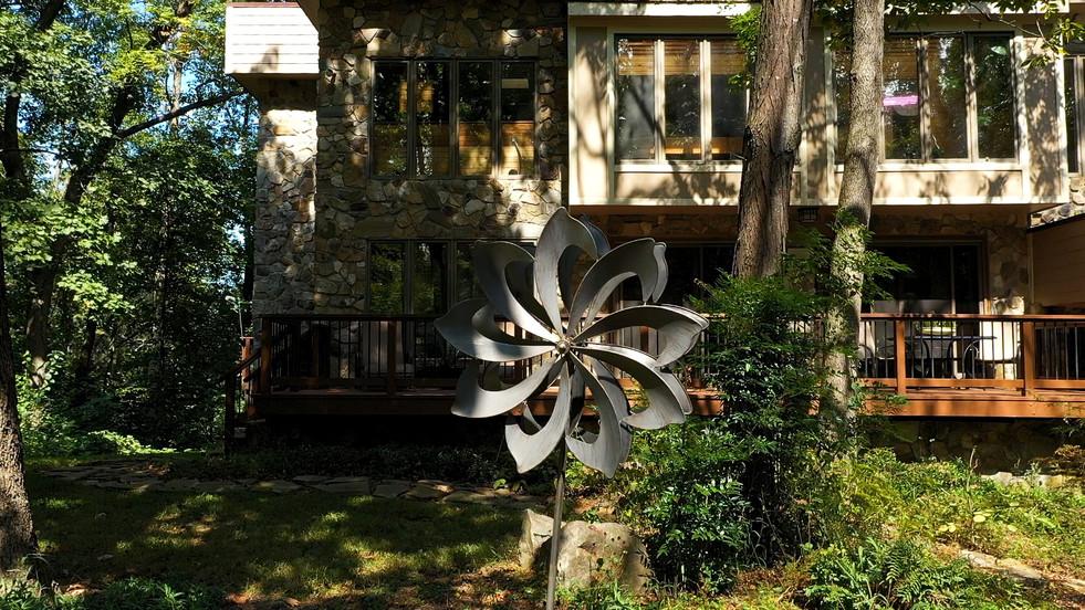 Windmill at Manorhouse.jpg