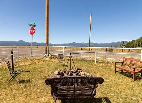 Crater Lake cabin rentals, full rv hook ups