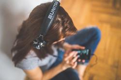 Listening Music 4