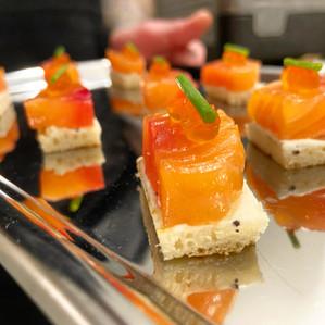 Gravlax de saumon, chèvre frais truffé