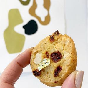 Cookie choco blanc, macadamia, goji
