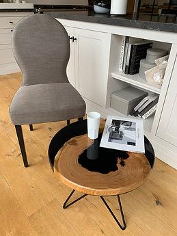 table en résine époxy et bois