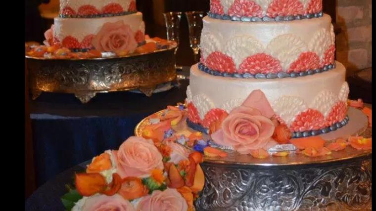 Cakes by Julana(Wedding Set 4) Deposit