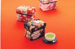 洋室にも和室にもあうデコレーション茶箱