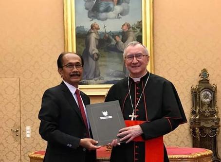 Surat Undangan Jokowi untuk Paus Fransiskus Sudah Diserahkan ke Pihak Vatikan