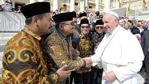 GP Ansor Kunjungi Vatikan, Paus Fransiskus: Saya Doakan Anda, Anda Doakan Saya