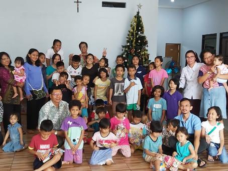Sukacita Natal di Panti Asuhan