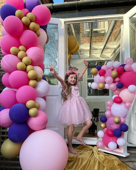 Organic Balloon Garland & Single Digit Mosaic Number