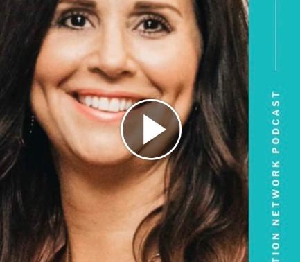 HOW I HELP WOMEN CREATE A LIFE THEY LOVE