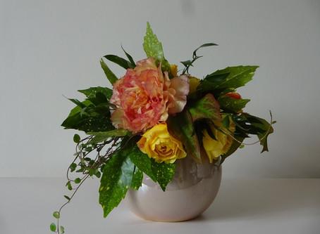 Bouquet de roses et pivoine