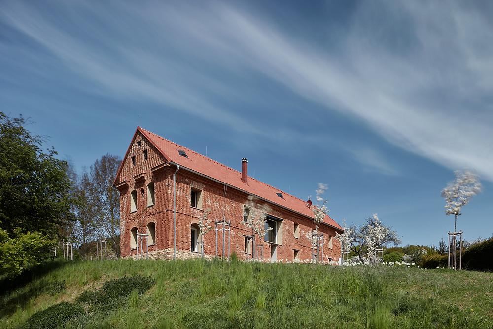 ORA   house inside a ruin