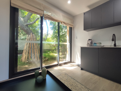 Burleigh In-outside & kitchen