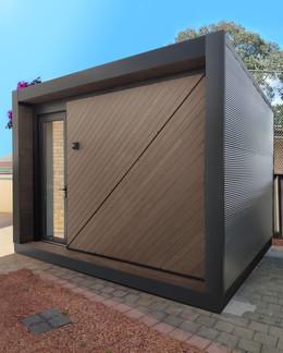 Bronte Single Door Outdoor Room