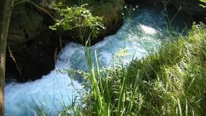 Una diga rafforza la corrente