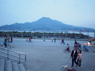 Doing that Touristy Thing in Taipei: Taipei 101 and Tamsui