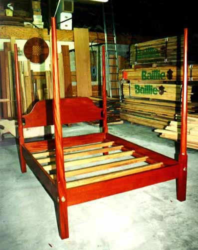 Mahogany Pencil Post Bed